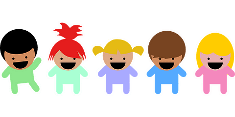 5 niños felices