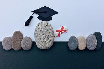 piedras con virrete en ceremonia de graduación